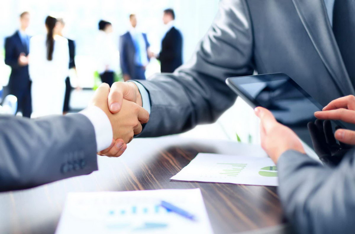 What Does a Business Consultant Do?